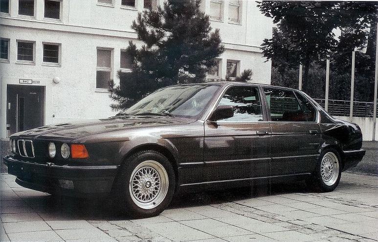 BMW 7 Series E32 Goldfish V16 1987